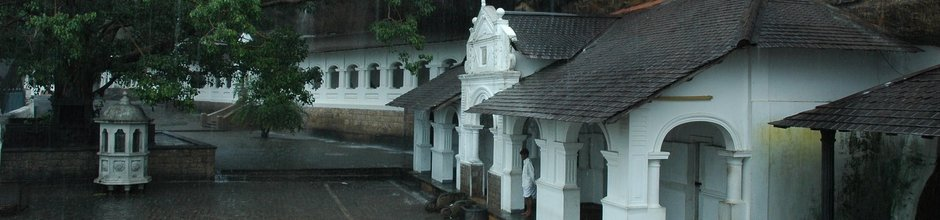 dambulla-rock-monastery-sri-lanka-mysrilankatravel-940