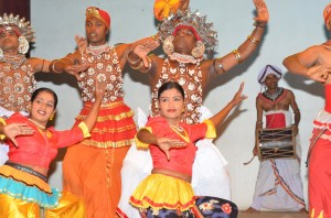 kandy-dancers-sri-lanka-mysrilankatravel