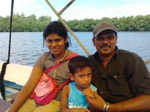 sugath-gamini-family-sri-lanka--mysrilankatravel